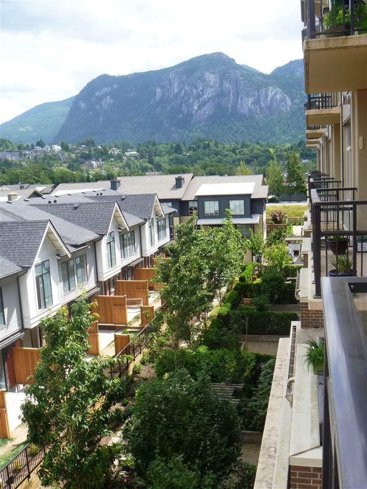 Condo Apartment at 413 1211 VILLAGE GREEN WAY, Unit 413, Squamish, British Columbia. Image 16