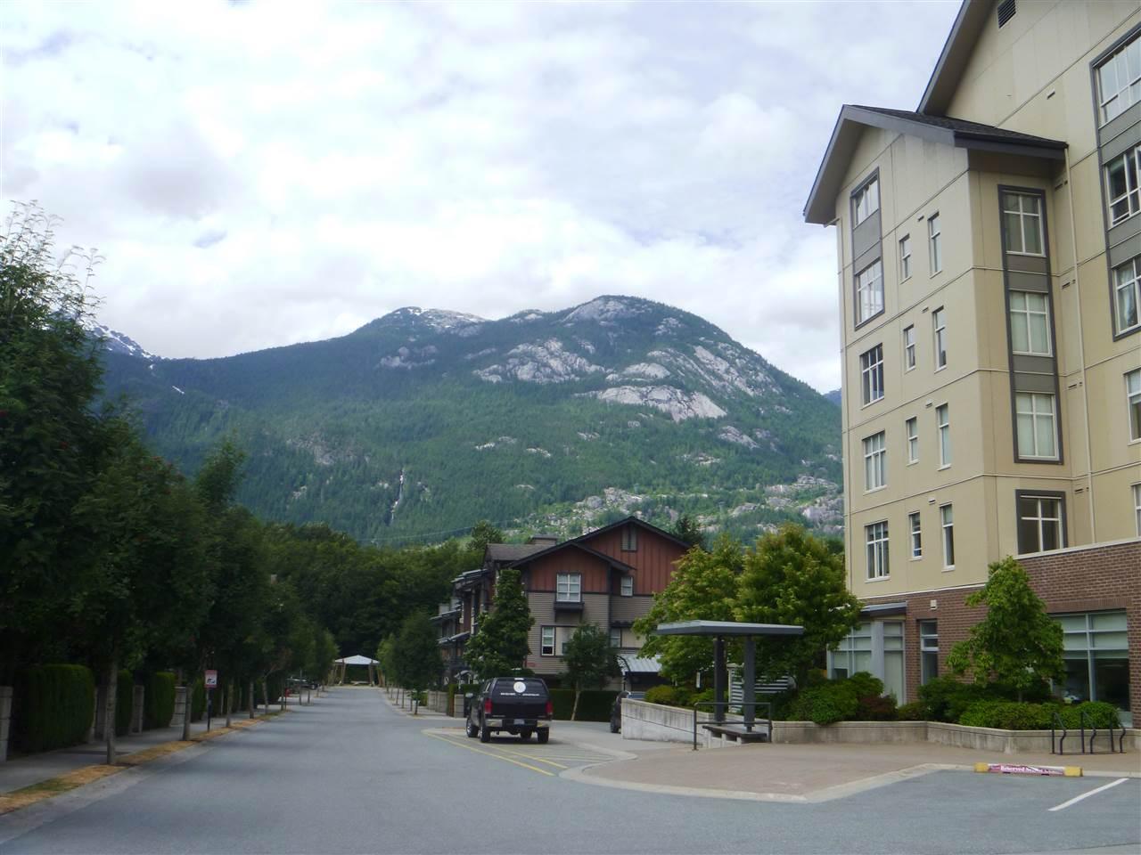 Condo Apartment at 413 1211 VILLAGE GREEN WAY, Unit 413, Squamish, British Columbia. Image 18