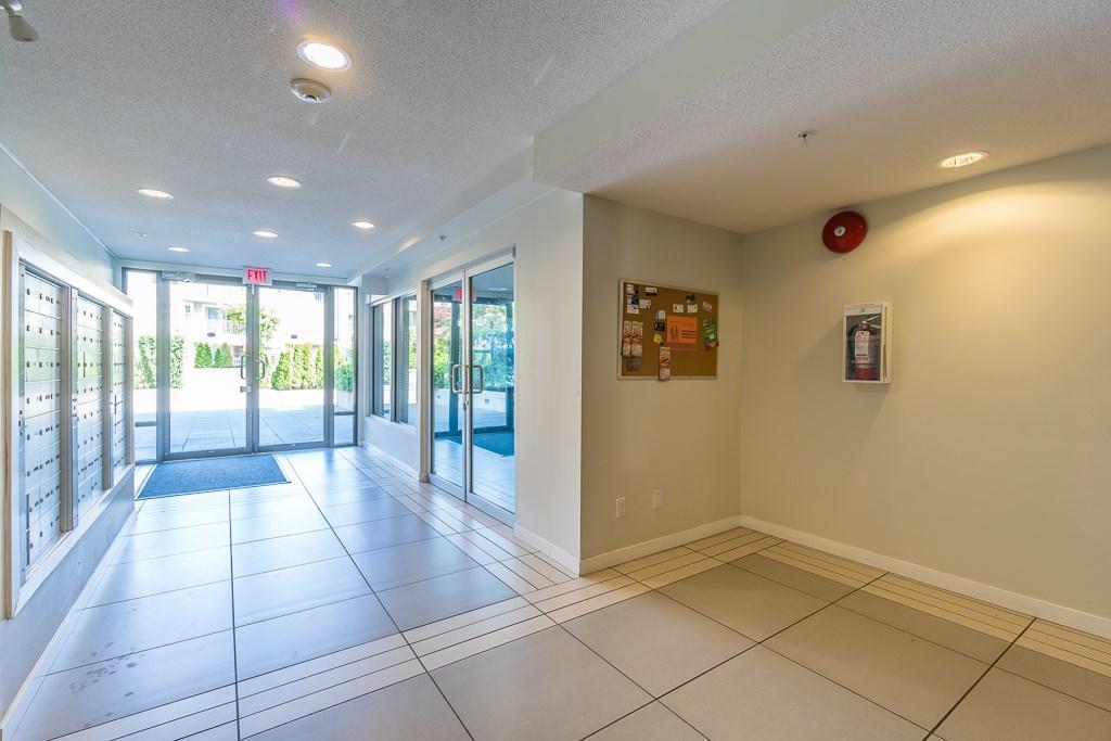 Condo Apartment at 216 10707 139 STREET, Unit 216, North Surrey, British Columbia. Image 3