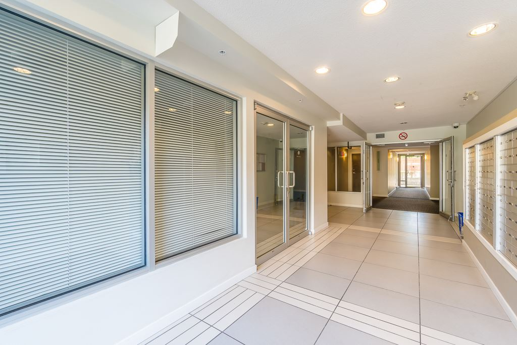Condo Apartment at 216 10707 139 STREET, Unit 216, North Surrey, British Columbia. Image 4