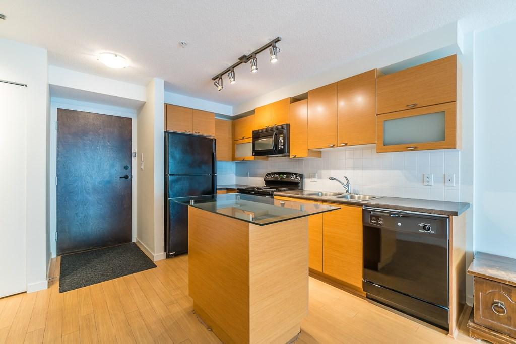 Condo Apartment at 216 10707 139 STREET, Unit 216, North Surrey, British Columbia. Image 5