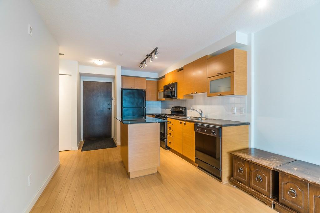 Condo Apartment at 216 10707 139 STREET, Unit 216, North Surrey, British Columbia. Image 9