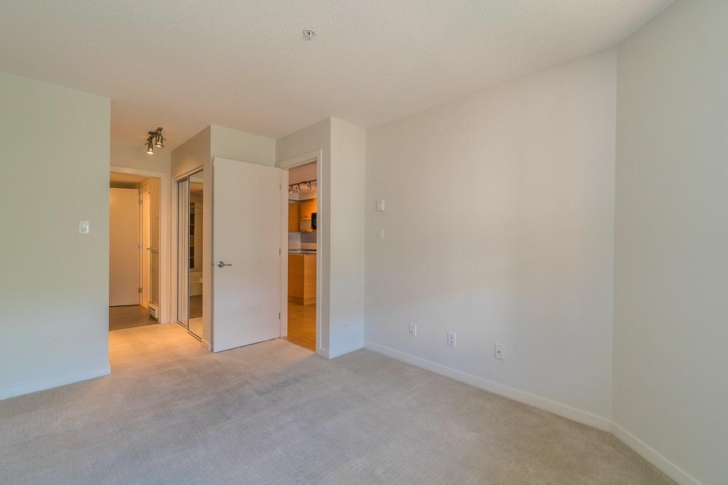 Condo Apartment at 216 10707 139 STREET, Unit 216, North Surrey, British Columbia. Image 13