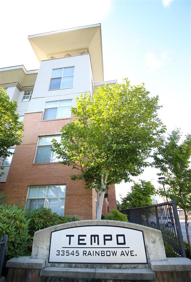 Condo Apartment at 104 33545 RAINBOW AVENUE, Unit 104, Abbotsford, British Columbia. Image 2
