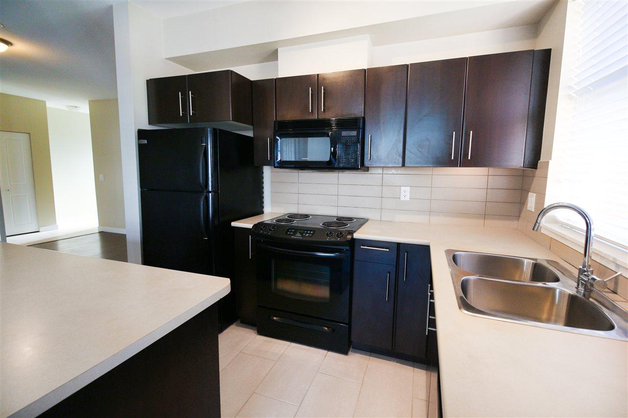 Condo Apartment at 104 33545 RAINBOW AVENUE, Unit 104, Abbotsford, British Columbia. Image 4