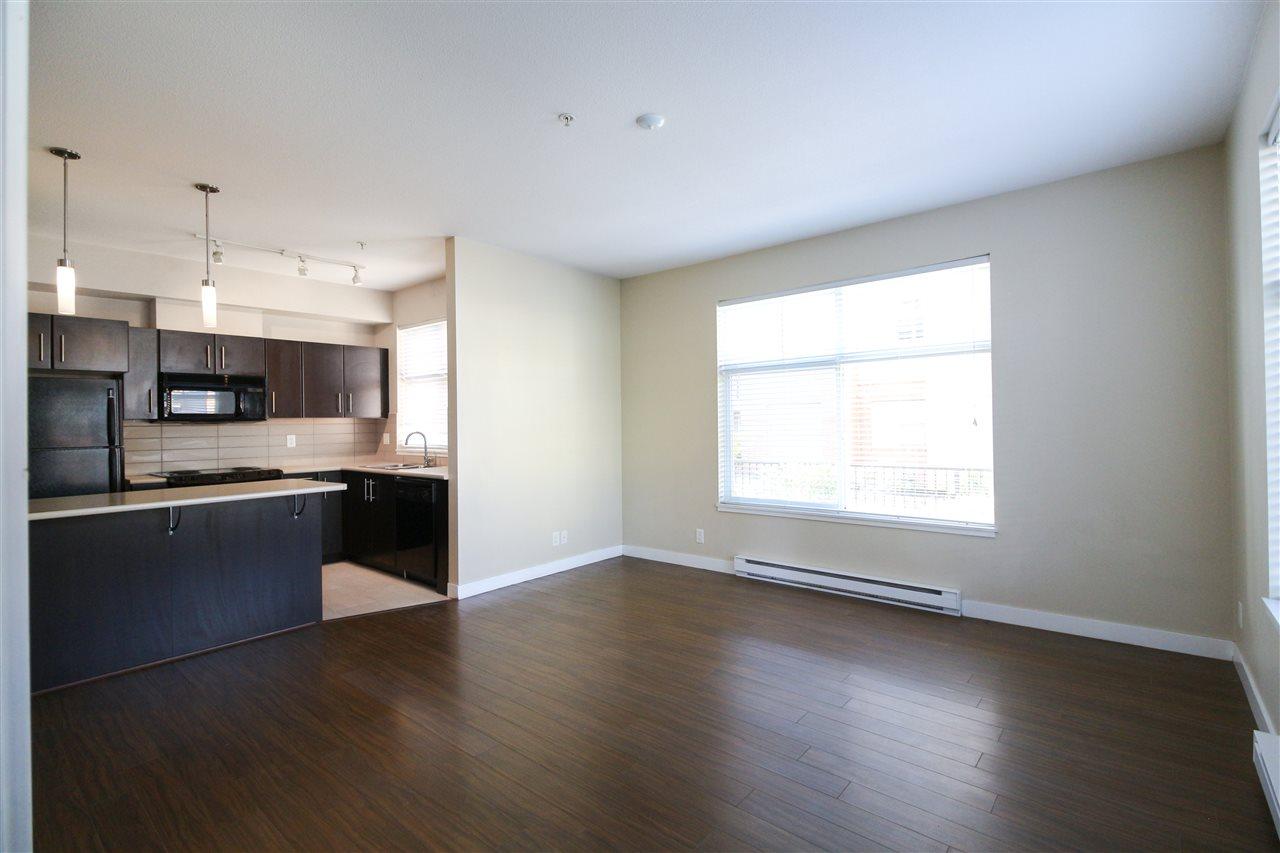 Condo Apartment at 104 33545 RAINBOW AVENUE, Unit 104, Abbotsford, British Columbia. Image 5