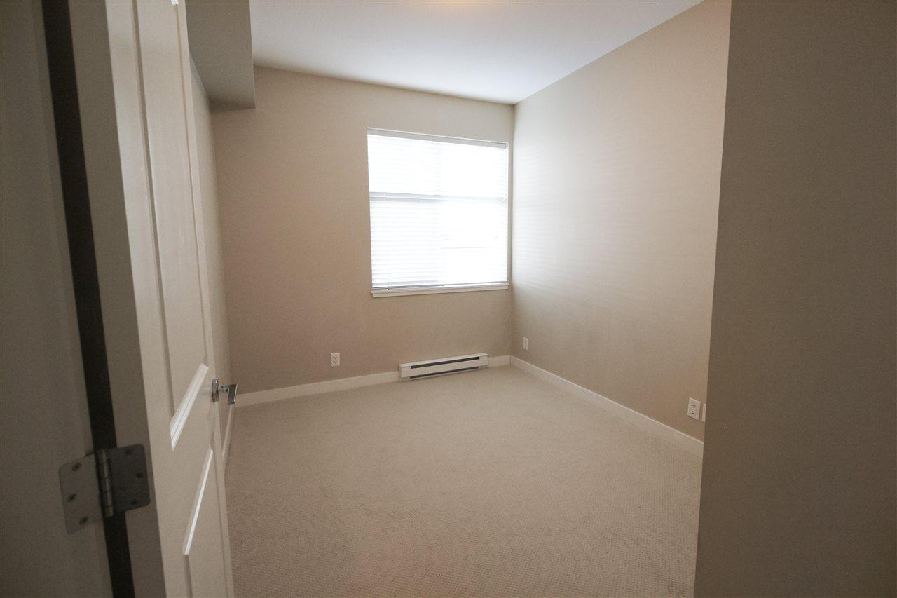 Condo Apartment at 104 33545 RAINBOW AVENUE, Unit 104, Abbotsford, British Columbia. Image 7