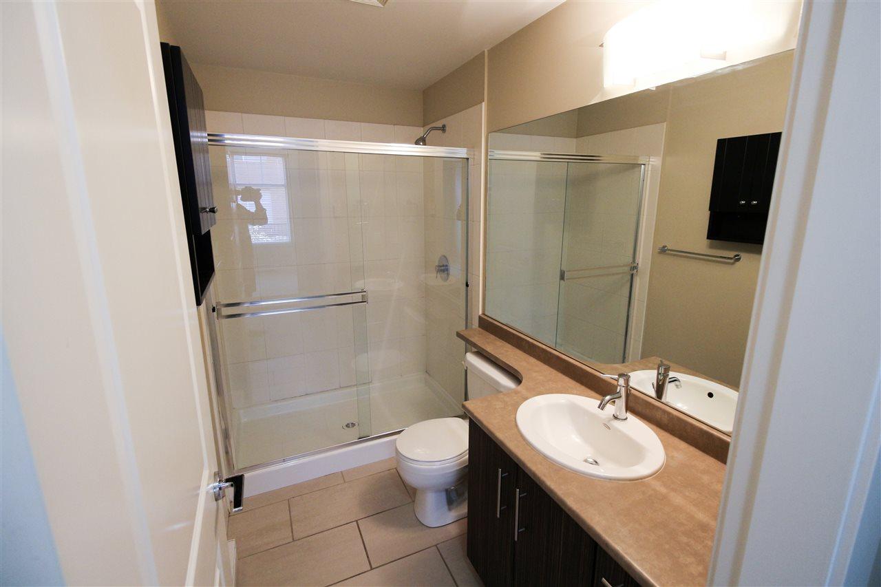 Condo Apartment at 104 33545 RAINBOW AVENUE, Unit 104, Abbotsford, British Columbia. Image 8
