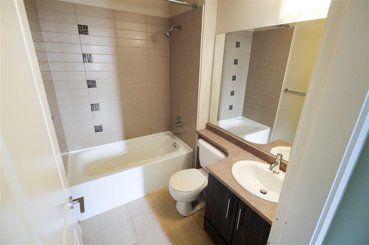 Condo Apartment at 104 33545 RAINBOW AVENUE, Unit 104, Abbotsford, British Columbia. Image 11