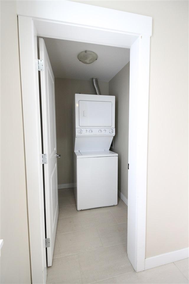 Condo Apartment at 104 33545 RAINBOW AVENUE, Unit 104, Abbotsford, British Columbia. Image 13