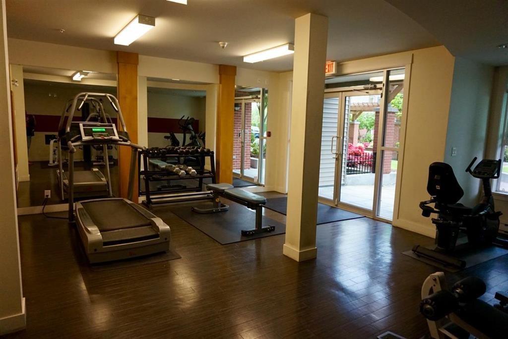 Condo Apartment at 104 33545 RAINBOW AVENUE, Unit 104, Abbotsford, British Columbia. Image 20