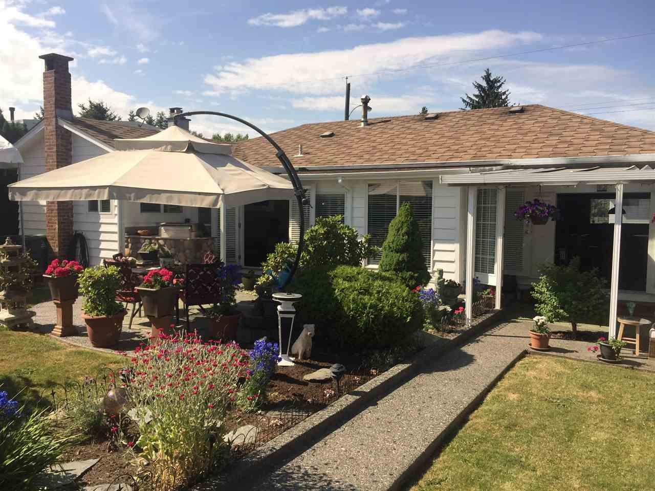 Detached at 14710 107 AVENUE, North Surrey, British Columbia. Image 5