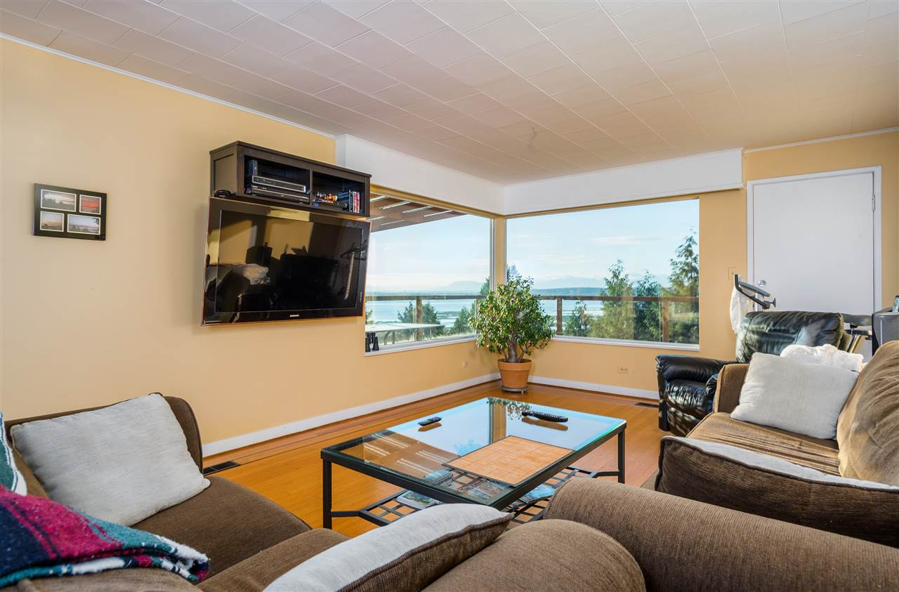 Detached at 13021 CRESCENT ROAD, South Surrey White Rock, British Columbia. Image 4