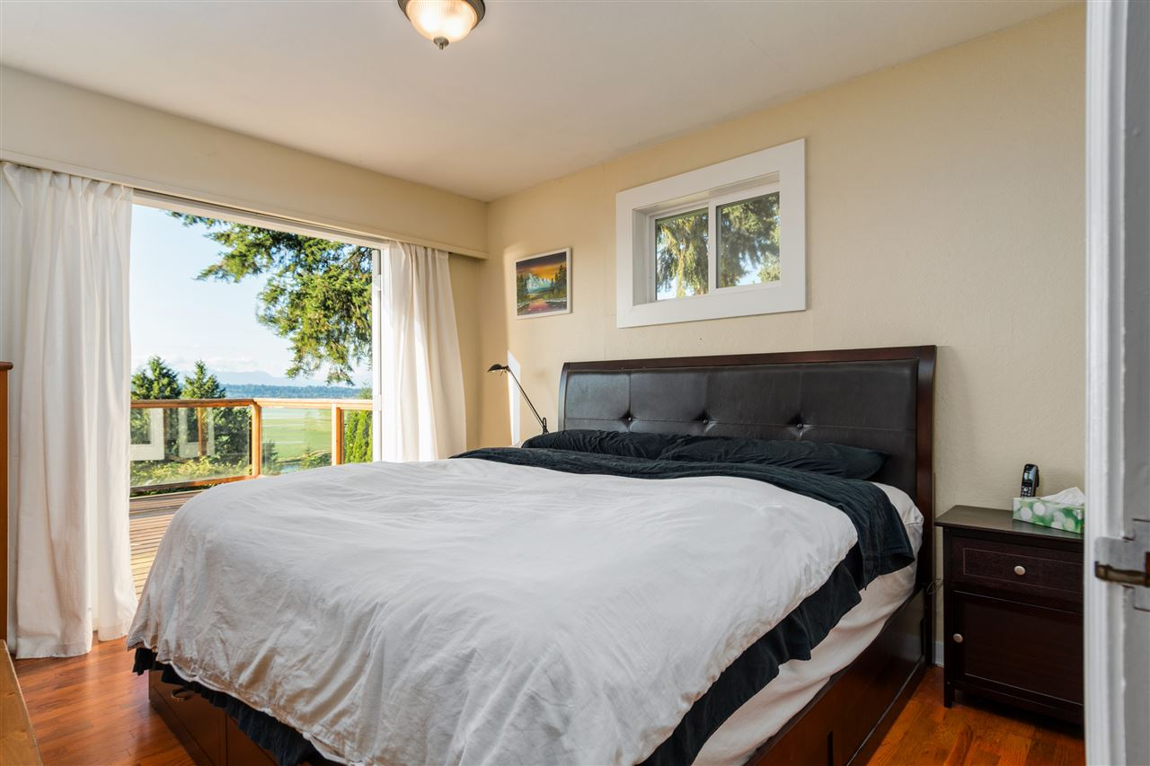 Detached at 13021 CRESCENT ROAD, South Surrey White Rock, British Columbia. Image 5