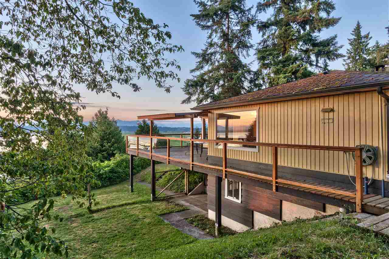 Detached at 13021 CRESCENT ROAD, South Surrey White Rock, British Columbia. Image 13