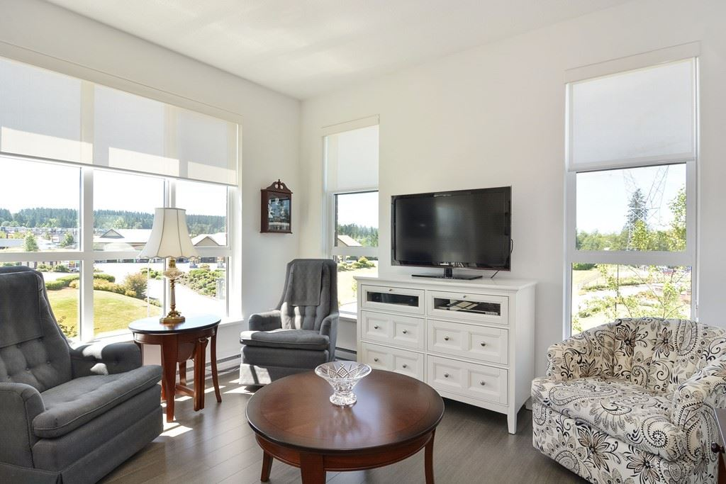 Condo Apartment at 309 15168 33 AVENUE, Unit 309, South Surrey White Rock, British Columbia. Image 3