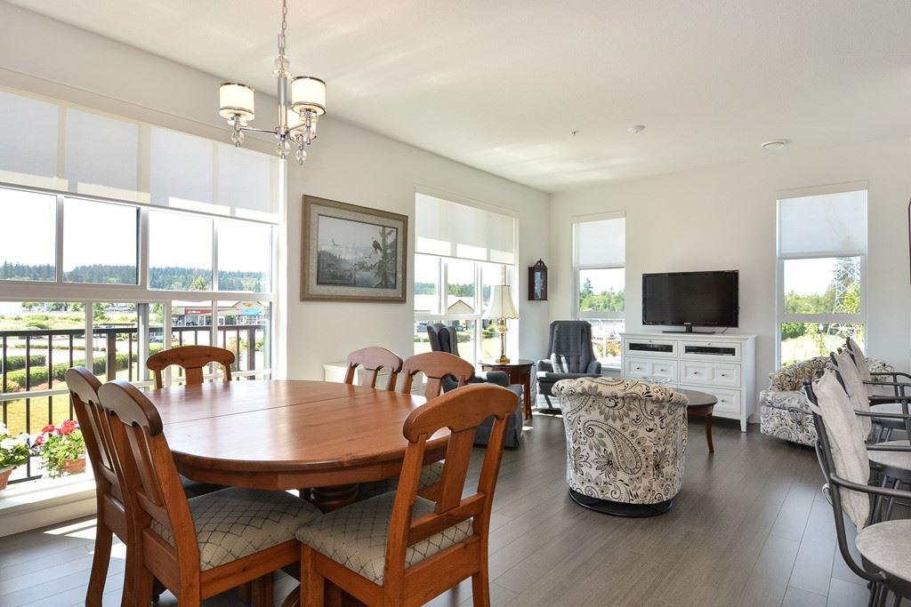 Condo Apartment at 309 15168 33 AVENUE, Unit 309, South Surrey White Rock, British Columbia. Image 4