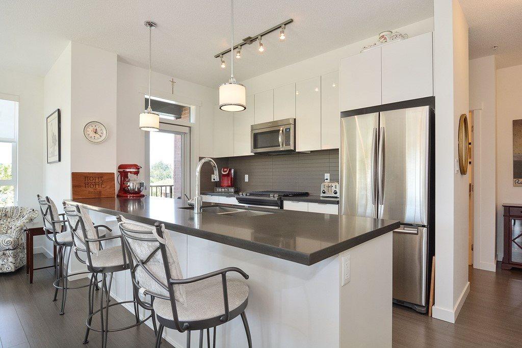Condo Apartment at 309 15168 33 AVENUE, Unit 309, South Surrey White Rock, British Columbia. Image 7