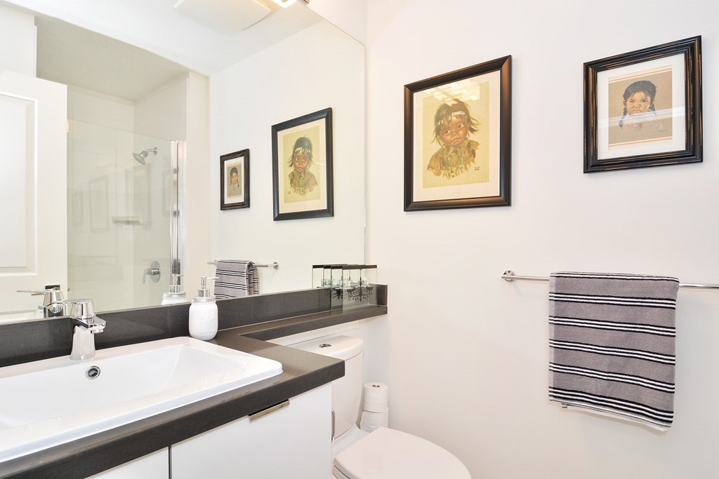 Condo Apartment at 309 15168 33 AVENUE, Unit 309, South Surrey White Rock, British Columbia. Image 11