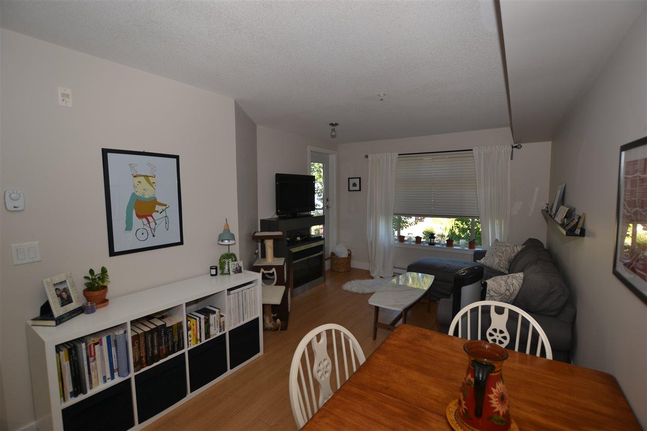 Condo Apartment at 209 2233 MCKENZIE ROAD, Unit 209, Abbotsford, British Columbia. Image 3
