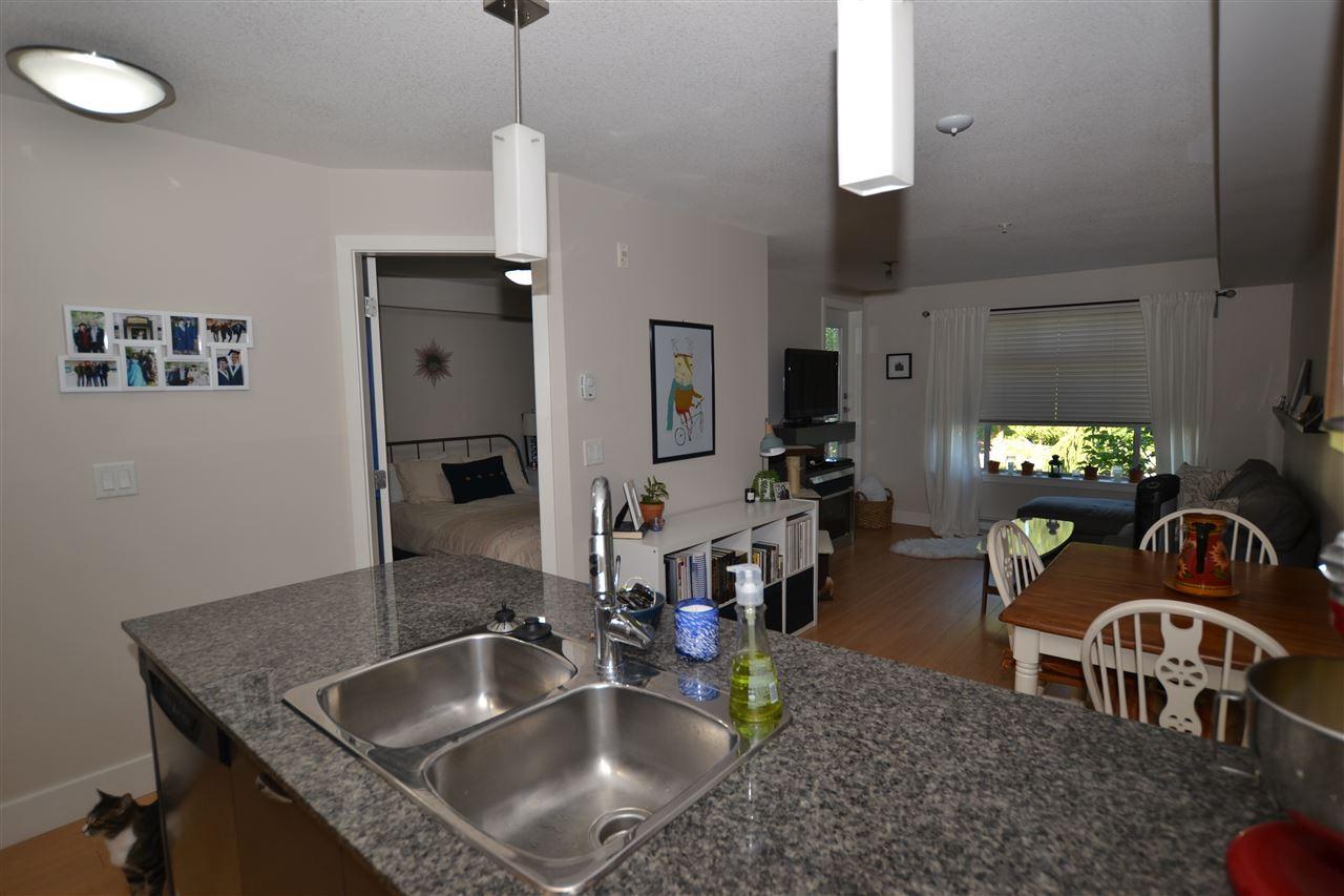 Condo Apartment at 209 2233 MCKENZIE ROAD, Unit 209, Abbotsford, British Columbia. Image 4