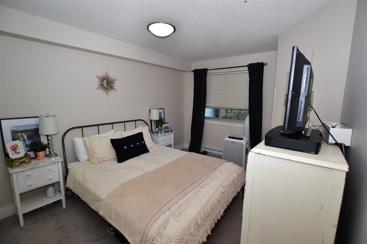 Condo Apartment at 209 2233 MCKENZIE ROAD, Unit 209, Abbotsford, British Columbia. Image 5