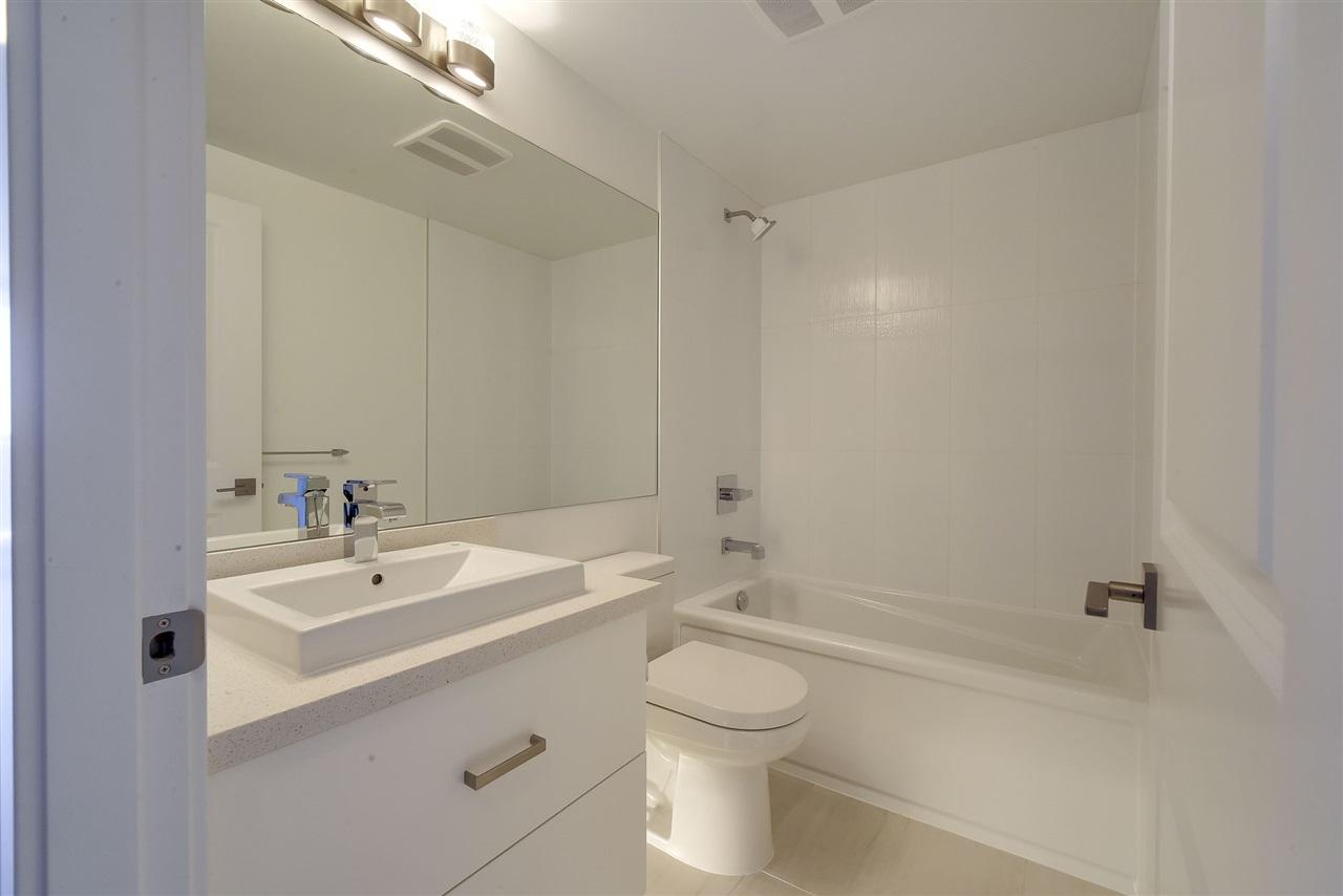 Condo Apartment at 809 11967 80 AVENUE, Unit 809, N. Delta, British Columbia. Image 9
