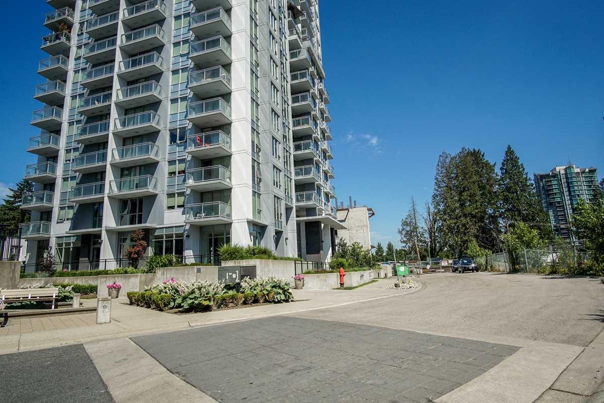 Condo Apartment at 906 13325 102A AVENUE, Unit 906, North Surrey, British Columbia. Image 2