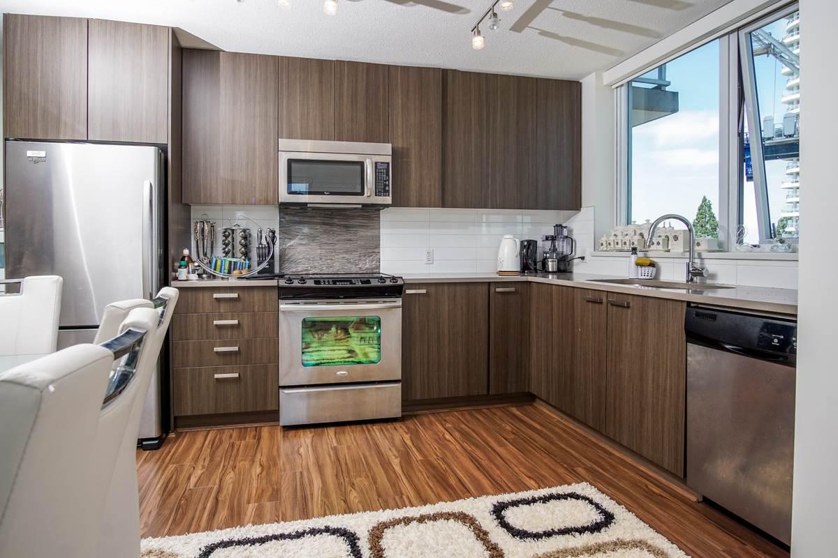 Condo Apartment at 906 13325 102A AVENUE, Unit 906, North Surrey, British Columbia. Image 6