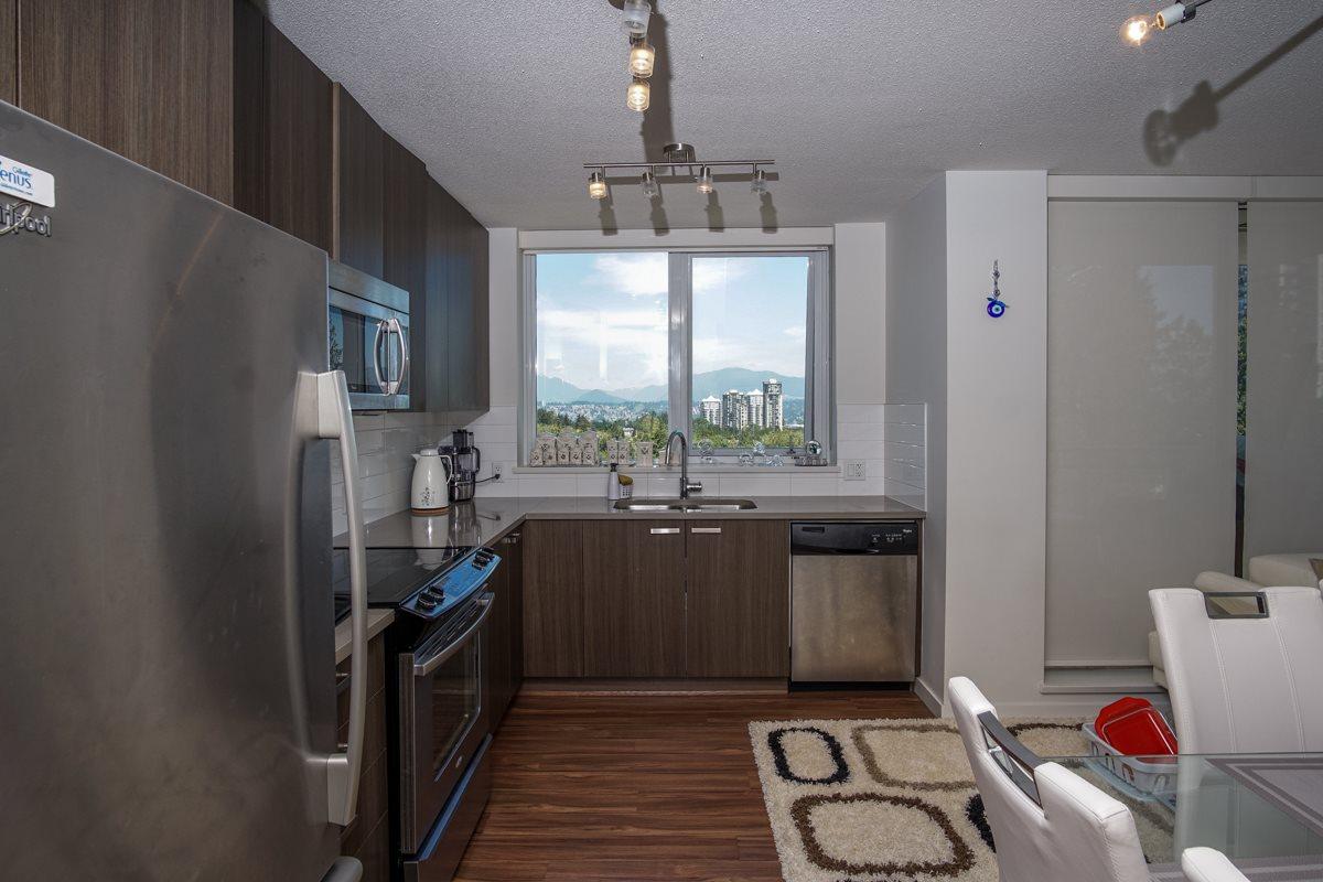 Condo Apartment at 906 13325 102A AVENUE, Unit 906, North Surrey, British Columbia. Image 7