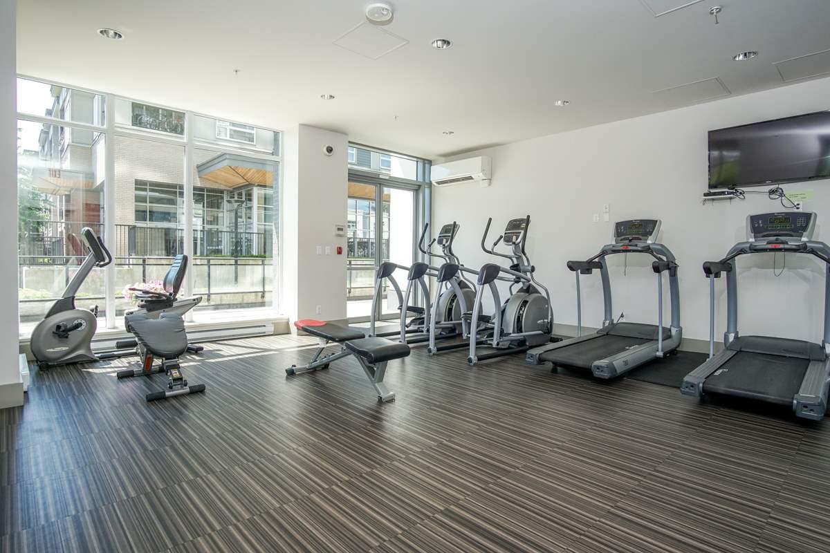 Condo Apartment at 906 13325 102A AVENUE, Unit 906, North Surrey, British Columbia. Image 12