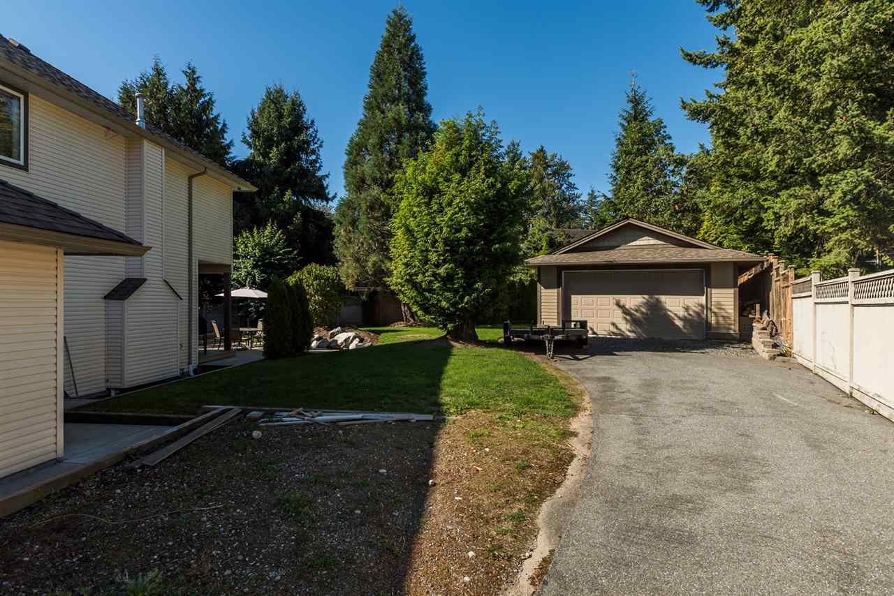 Detached at 16021 77 AVENUE, Surrey, British Columbia. Image 3