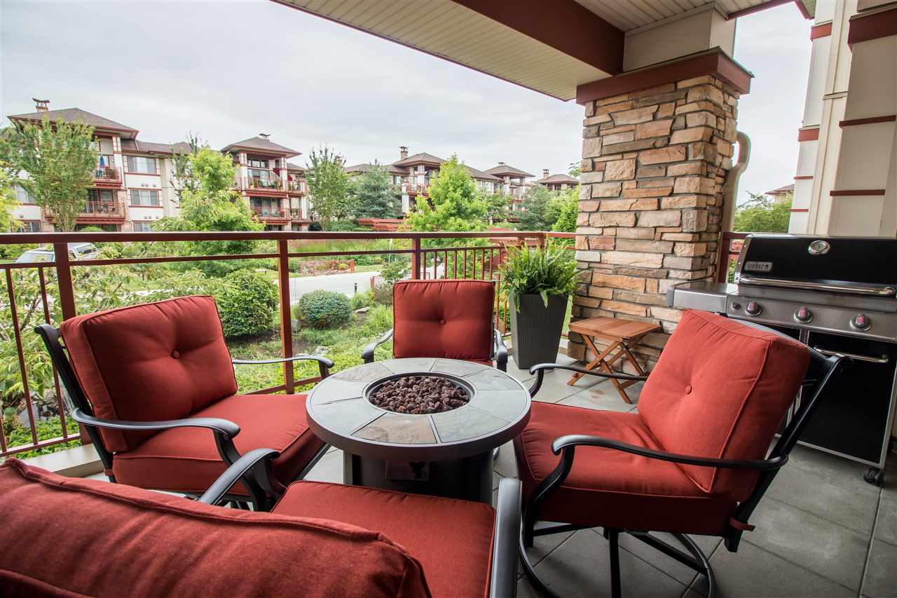 Condo Apartment at 206 16455 64TH AVENUE, Unit 206, Cloverdale, British Columbia. Image 3