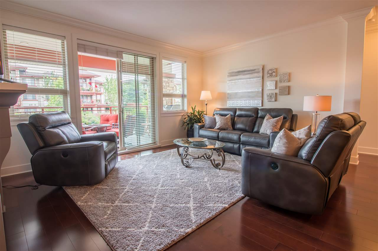 Condo Apartment at 206 16455 64TH AVENUE, Unit 206, Cloverdale, British Columbia. Image 6