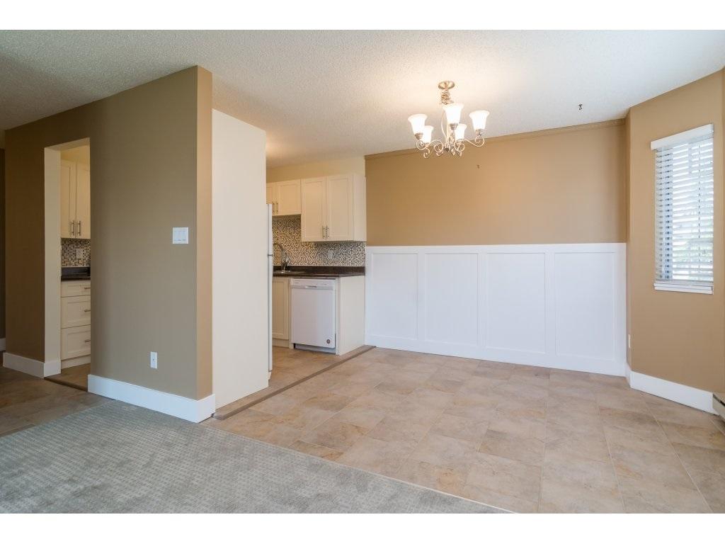 Condo Apartment at 102 32089 OLD YALE ROAD, Unit 102, Abbotsford, British Columbia. Image 4