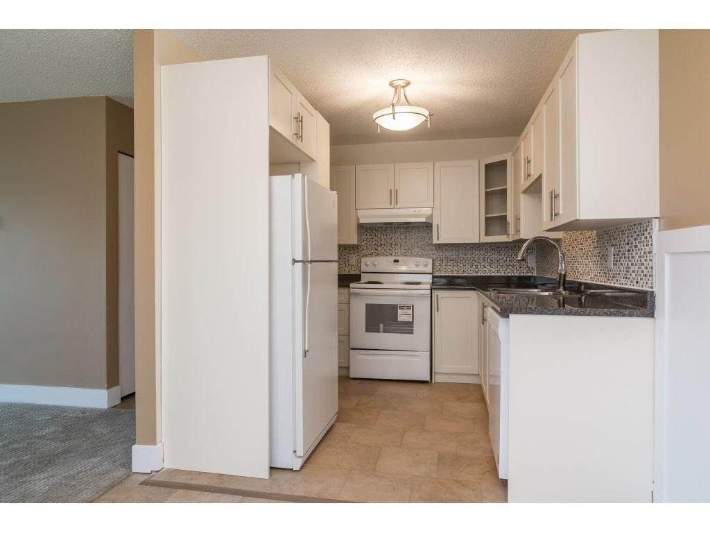 Condo Apartment at 102 32089 OLD YALE ROAD, Unit 102, Abbotsford, British Columbia. Image 5