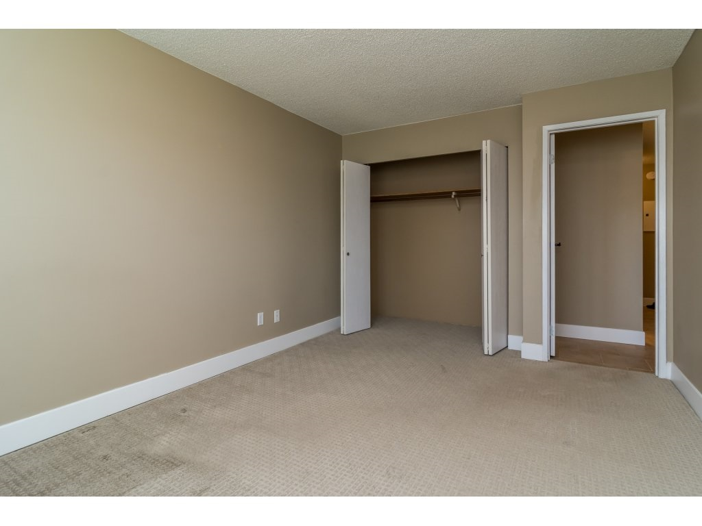 Condo Apartment at 102 32089 OLD YALE ROAD, Unit 102, Abbotsford, British Columbia. Image 16