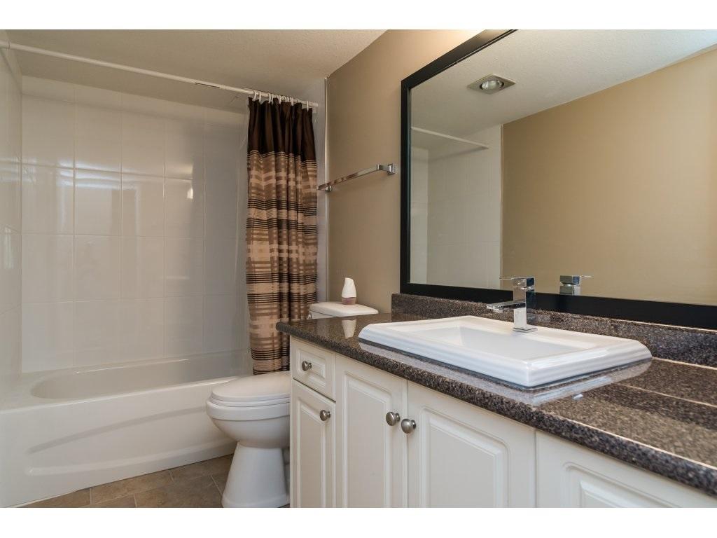 Condo Apartment at 102 32089 OLD YALE ROAD, Unit 102, Abbotsford, British Columbia. Image 17