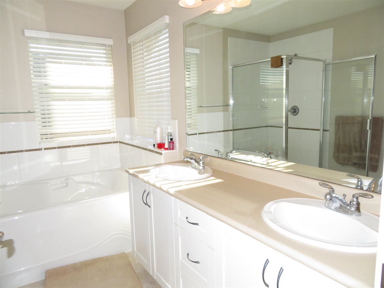 Detached at 20878 84A AVENUE, Langley, British Columbia. Image 11