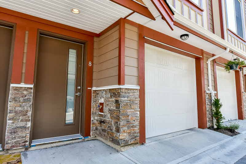 Townhouse at 8 6388 140 STREET, Unit 8, Surrey, British Columbia. Image 3