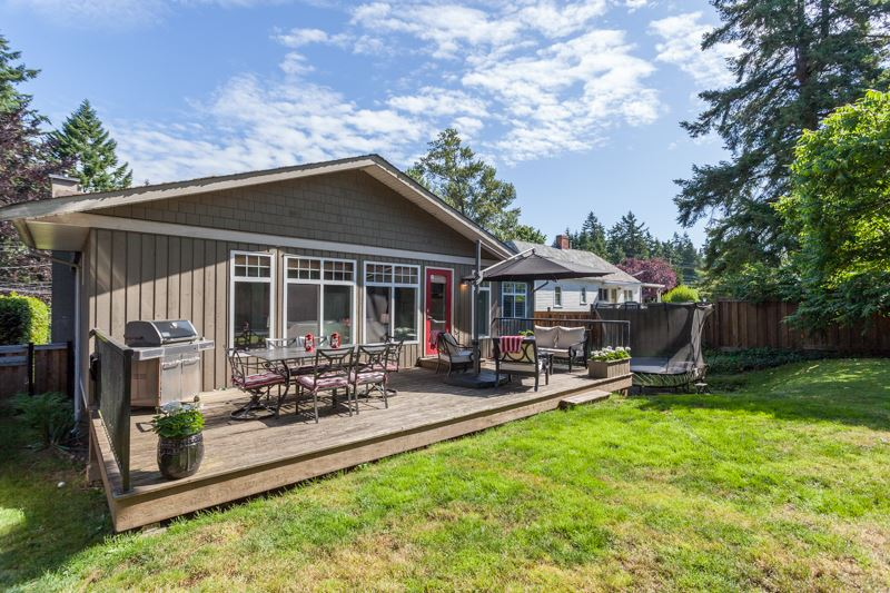 Detached at 12680 28TH AVENUE, South Surrey White Rock, British Columbia. Image 18