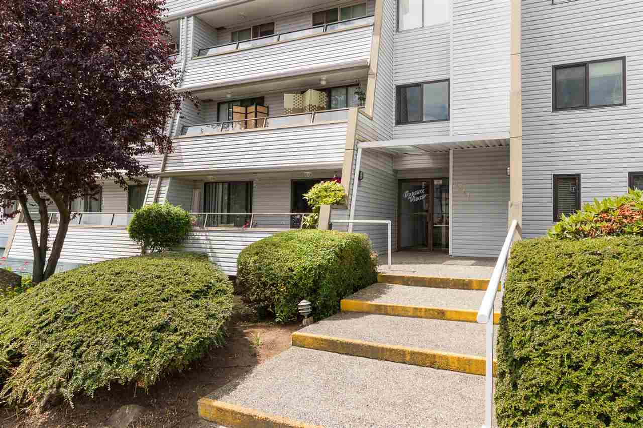 Condo Apartment at 303 1341 GEORGE STREET, Unit 303, South Surrey White Rock, British Columbia. Image 3