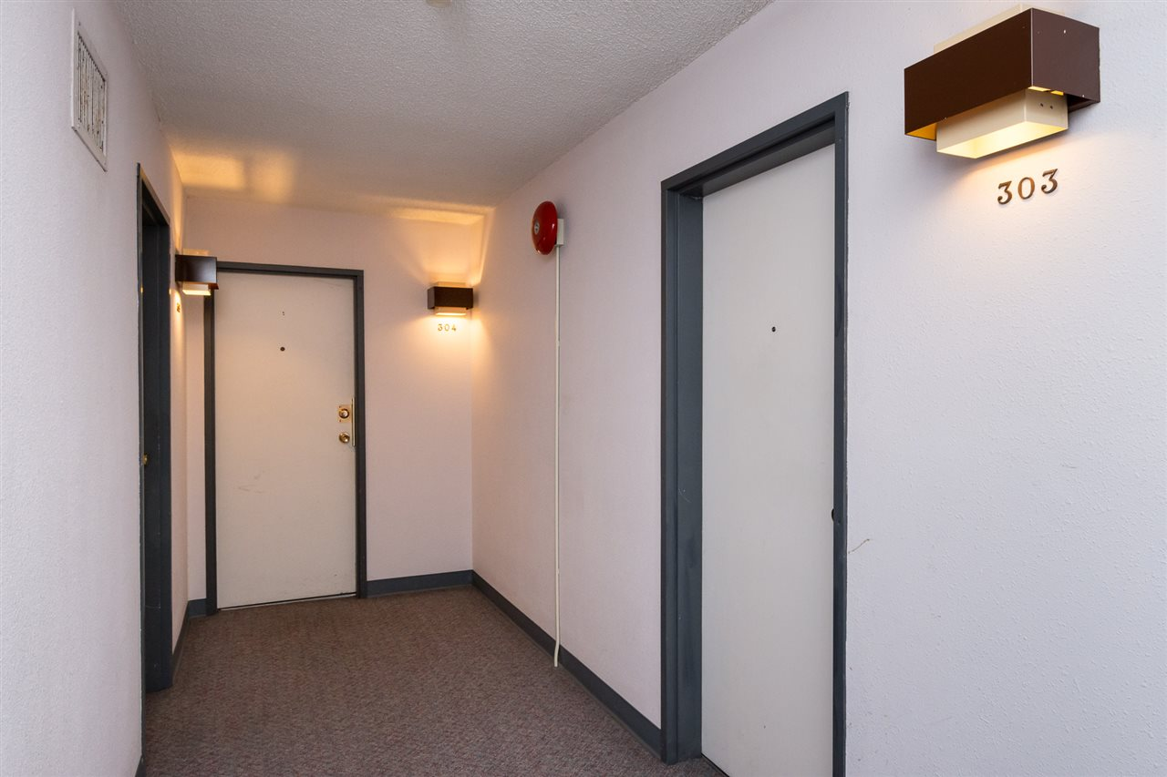 Condo Apartment at 303 1341 GEORGE STREET, Unit 303, South Surrey White Rock, British Columbia. Image 5