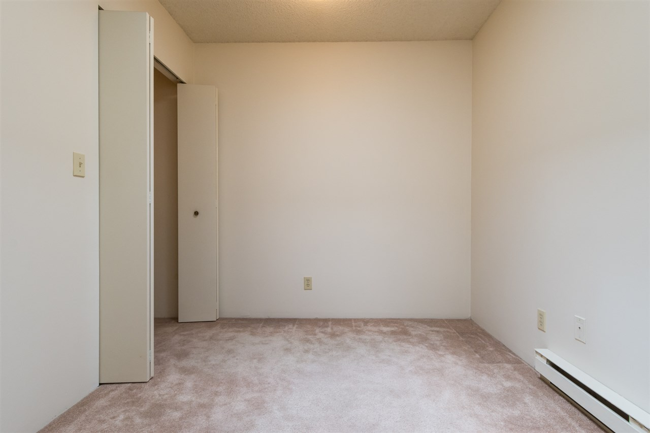 Condo Apartment at 303 1341 GEORGE STREET, Unit 303, South Surrey White Rock, British Columbia. Image 7