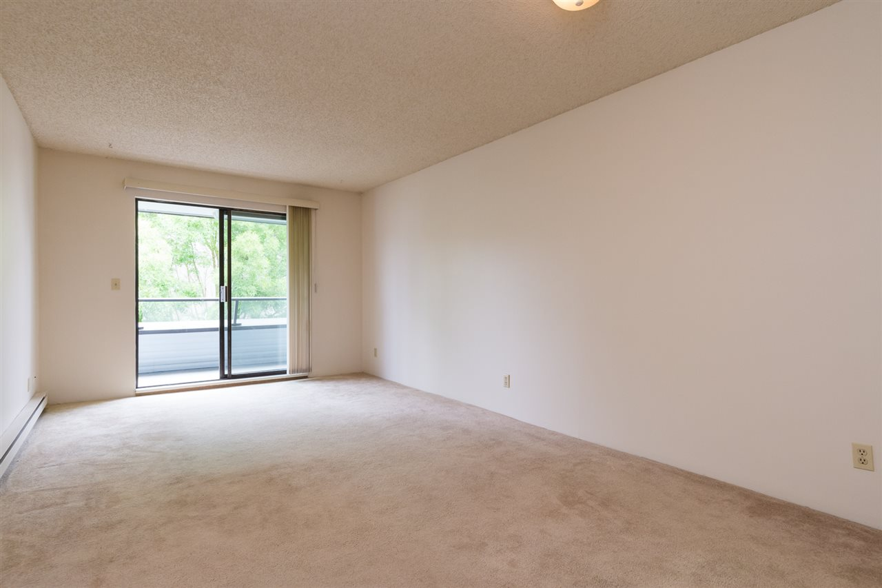 Condo Apartment at 303 1341 GEORGE STREET, Unit 303, South Surrey White Rock, British Columbia. Image 10