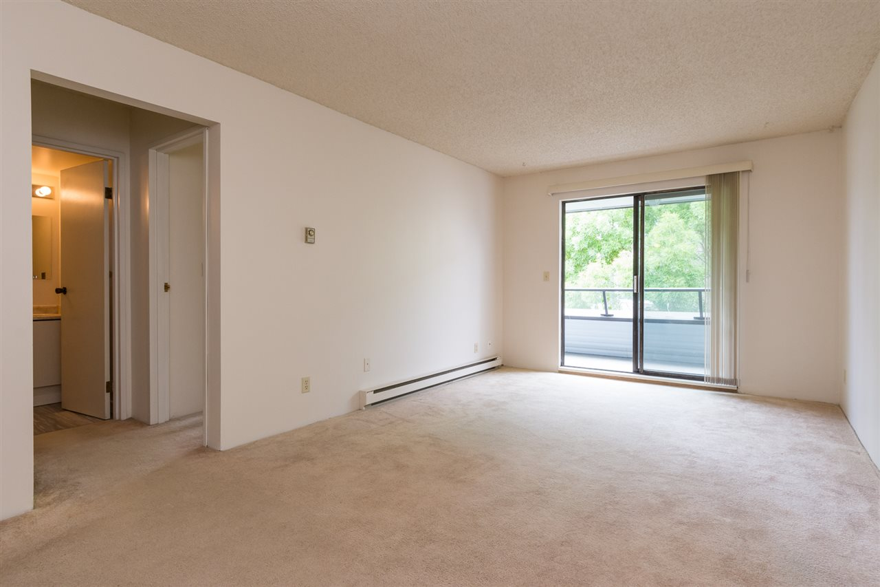 Condo Apartment at 303 1341 GEORGE STREET, Unit 303, South Surrey White Rock, British Columbia. Image 11