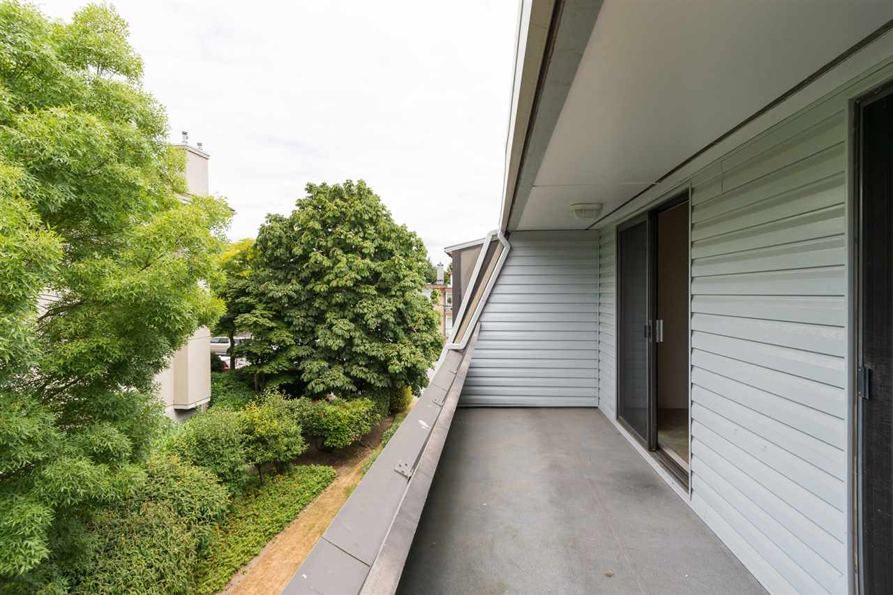 Condo Apartment at 303 1341 GEORGE STREET, Unit 303, South Surrey White Rock, British Columbia. Image 16