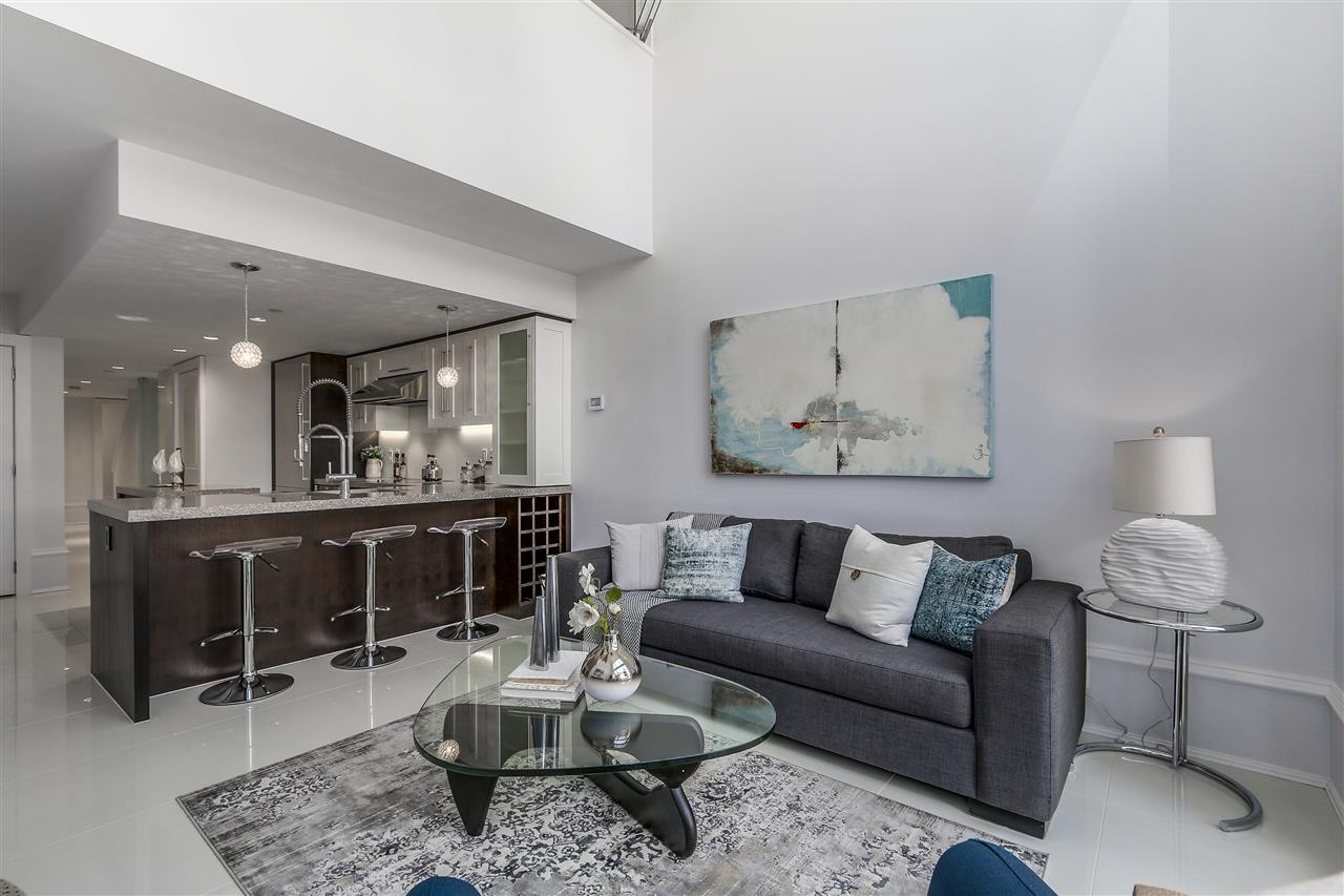 Townhouse at 1110 HORNBY STREET, Vancouver West, British Columbia. Image 4
