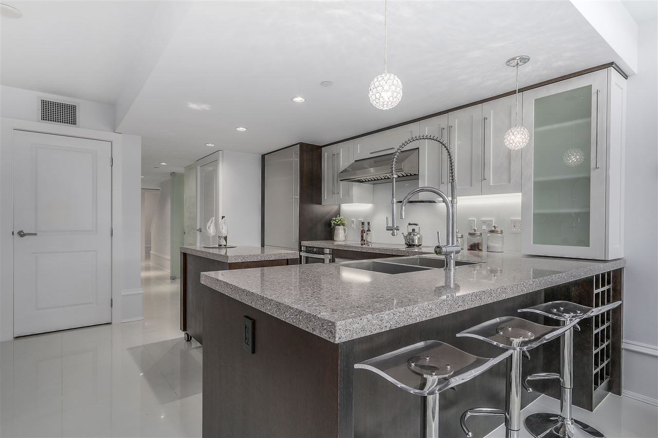 Townhouse at 1110 HORNBY STREET, Vancouver West, British Columbia. Image 5