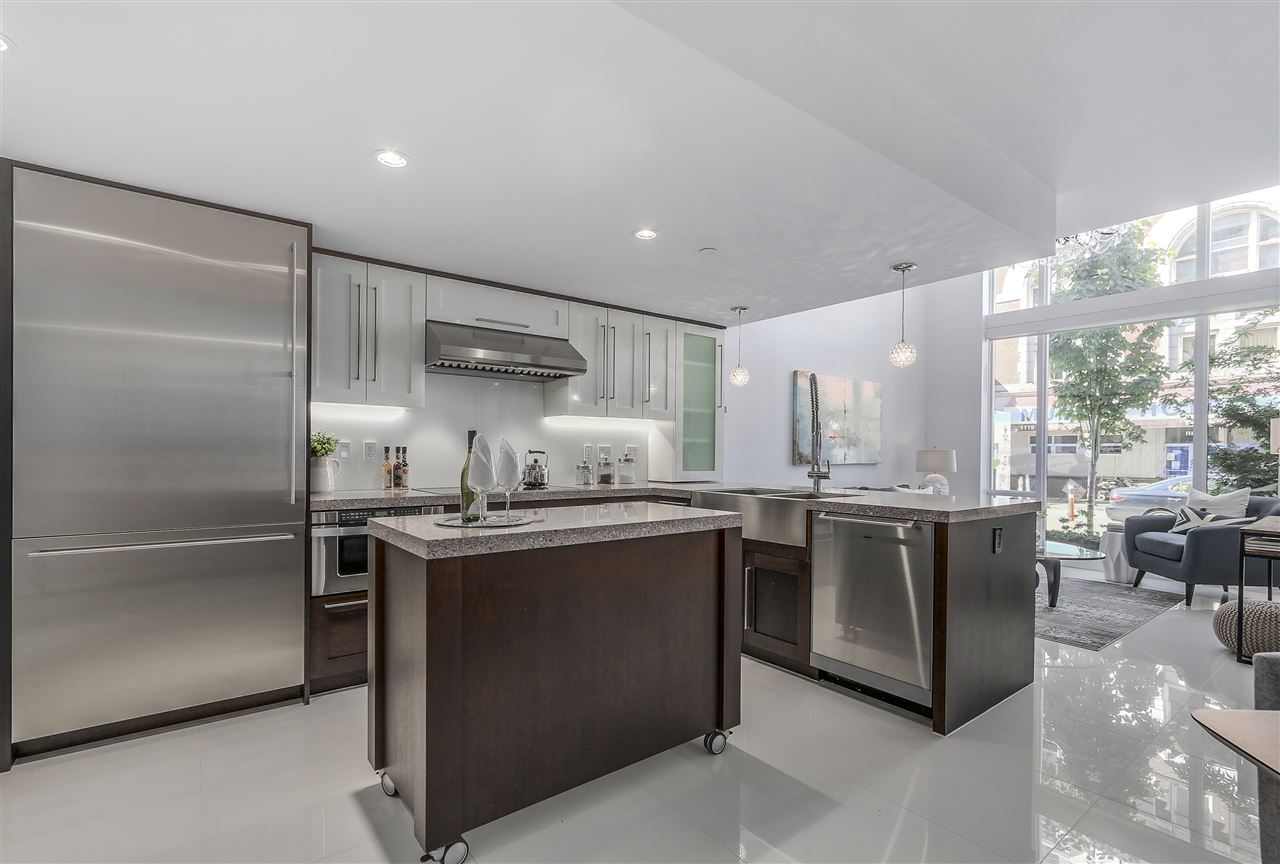Townhouse at 1110 HORNBY STREET, Vancouver West, British Columbia. Image 6